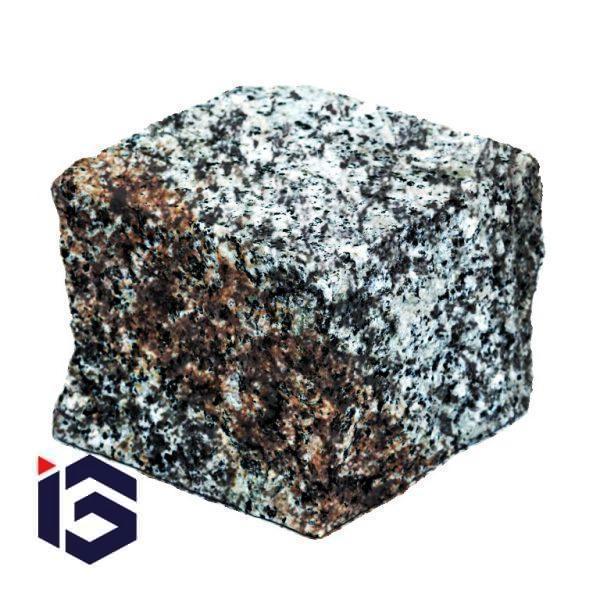 Kostka granitowa cięto-łupana szaro-ruda fakturowana