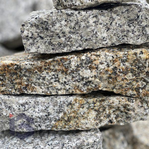 Kamien pomaszynowy selekt szaro-zloty